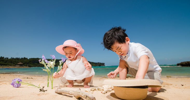 Summer hacks for parents. Beach kids